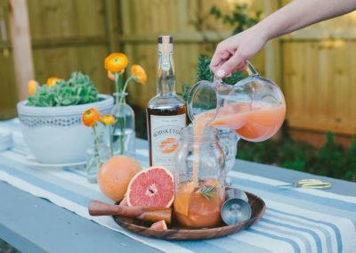 Whiskey-Girl-Lifestyle-Photography-Backyard-Entertaining-1